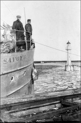 Le Savoy accoste vers 1904 à Baie Ellis