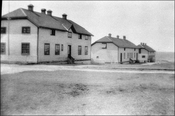 Hôtel, magasin et entrepôt à Baie Ste-Claire