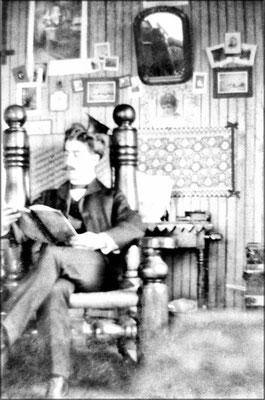 Un employé dans sa chambre à Baie Ste-Claire
