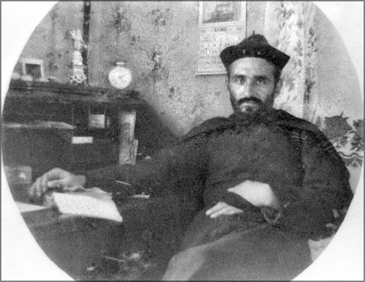 L'abbé Édouard Travert (1904-1907), prêtre résident. Il arriva comme vicaire à Chicoutimi en 1903. Il fut supérieur  (1909-1912) au collège Sacré-Coeur à Caraquet