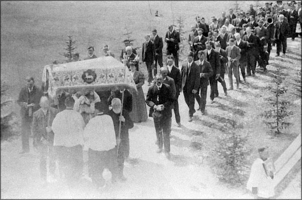 Procession de la fête Dieu vers 1903 à Baie Ste-Claire