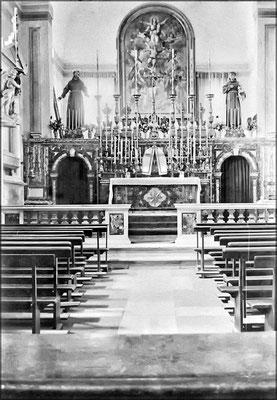 Intérieur de l'église de l'Anse-aux-Fraises (1900-1905)