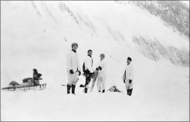 Expédition sur l'île vers 1903