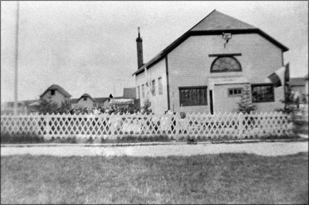 Sortie de l'église, Baie Ste-Claire