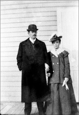 Louis-Philippe Desbiens et épouse à Baie Ste-Claire
