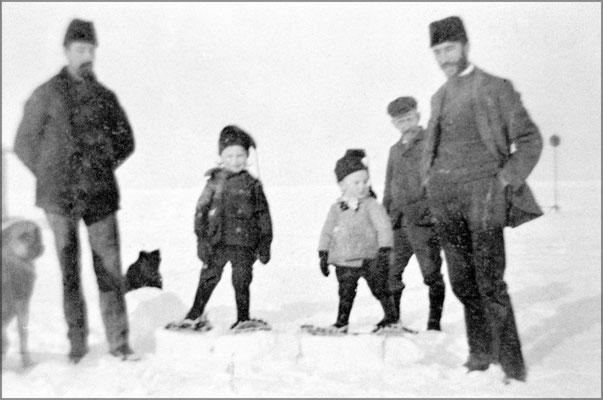 Les frères Ernest et Eugène Servêtre et ses enfants, Jean-Louis et Lucien