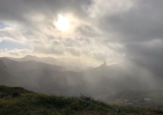 Blick zum markanten Roque Nublo