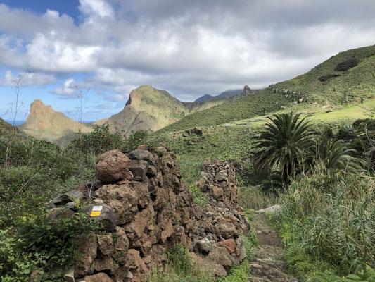 Abstieg nach Taganana