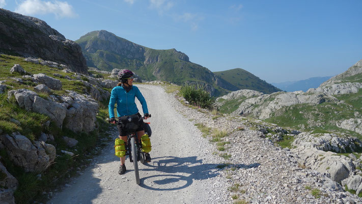 Bikepacking-Tour in den Bergen