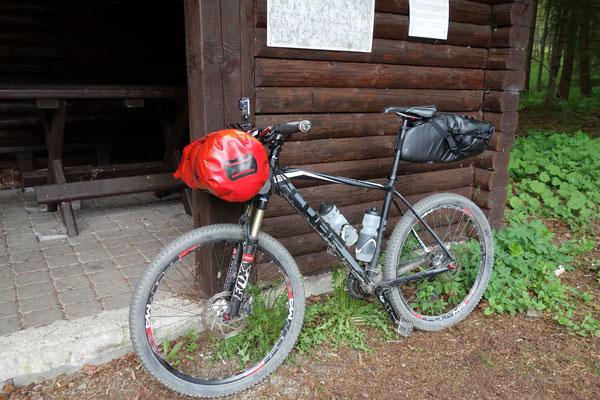 MTB mit Bikepacking Ausrüstung