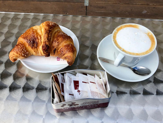 der erste Cappuccino