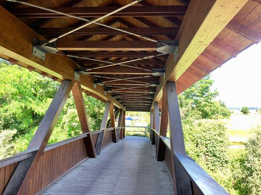 Holzbrücke auf dem Ammer-Amper Radweg bei Allershausen