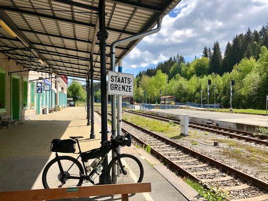 Berghuhn, Bahnhof Bayerisch Eisenstein