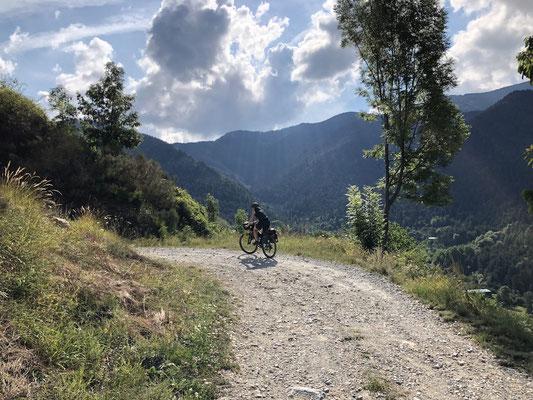 Auffahrt zur Ligurischen Grenzkammstraße