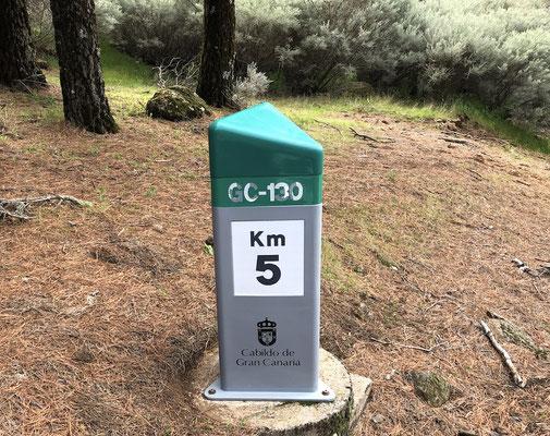 die Auffahrt zieht sich - noch 5 Kilometer