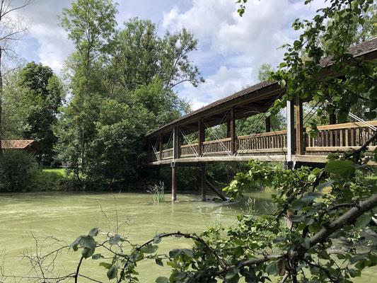 Holzbrücke auf dem Ammer-Amper Radweg bei Grafrath