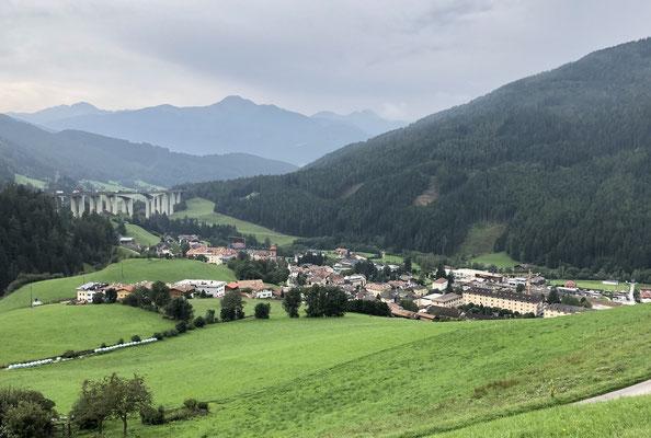 Blick auf Gossensaß - Colle Isarco