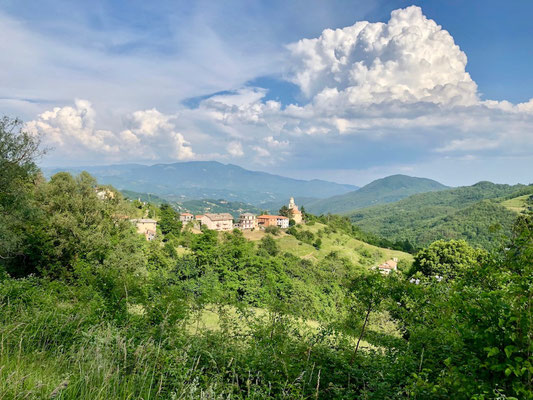 Berghuhn, Italien, Ligurien, Radreise, Radtour, Apennin, Varese Ligure, Gewitterwolke