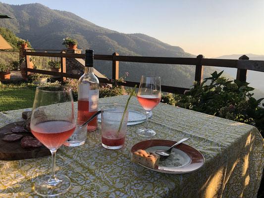 Abendessen mit Blick fast bis zum Meer