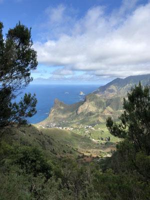 Auf der Passhöhe Blick auf Taganana