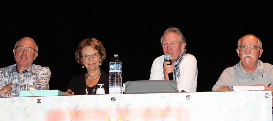 De gauche à droite : Jean-Louis Coutard (trésorier du CODERS53), Ginette Garnier (secrétaire), Joël Vazeux (président), Michel Zémo (trésorier)