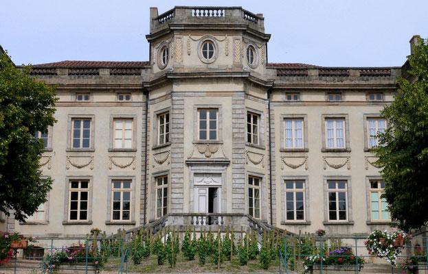 Château de Boën et musée des vignerons