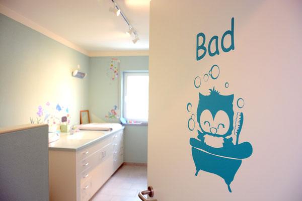 Badezimmer mit Säuglings-Badewanne