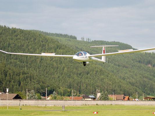 OE-5730 DG-1001S - modernes, doppelsitziges Segelflugzeug von meinen Freunden aus Timmersdorf.