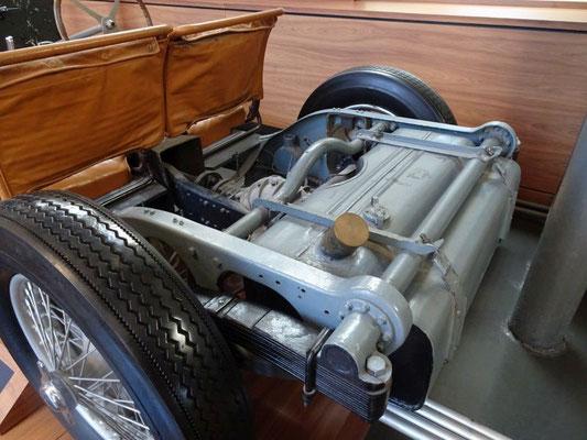 Hinterachse und Tank eines Bugatti Type 57