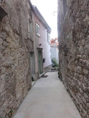 Schmale Gassen in der Altstadt von Labin