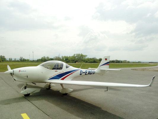 D-EAQA Aquila A211 - schneller und moderner als eine Katana, dafür weniger schön und schlechtere Sicht nach draussen