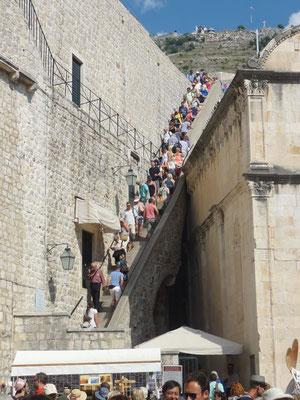 OK, die Begehung der Stadtmauer lasse ich besser aus ...