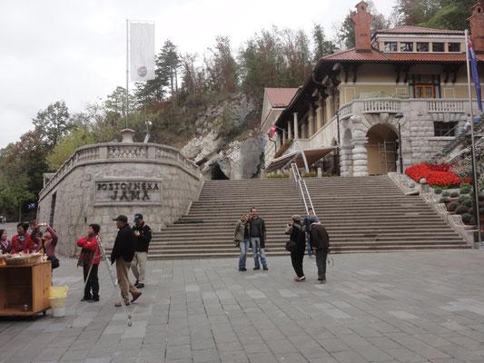 Eingang zu Höhle von Postojna