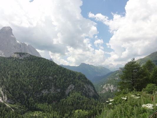 Blick ins Tal Richtung Canazei