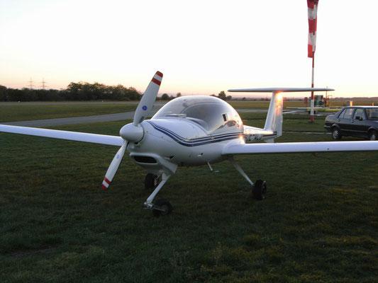 OE-ALJ Diamond DA-20 Katana - Schul- und Reiseflugzeug meines Heimatvereines in Stockerau, mit dem ich meinen ersten Alleinflug mit einem Motorflugzeug und den Dreiecksflug gemacht habe.