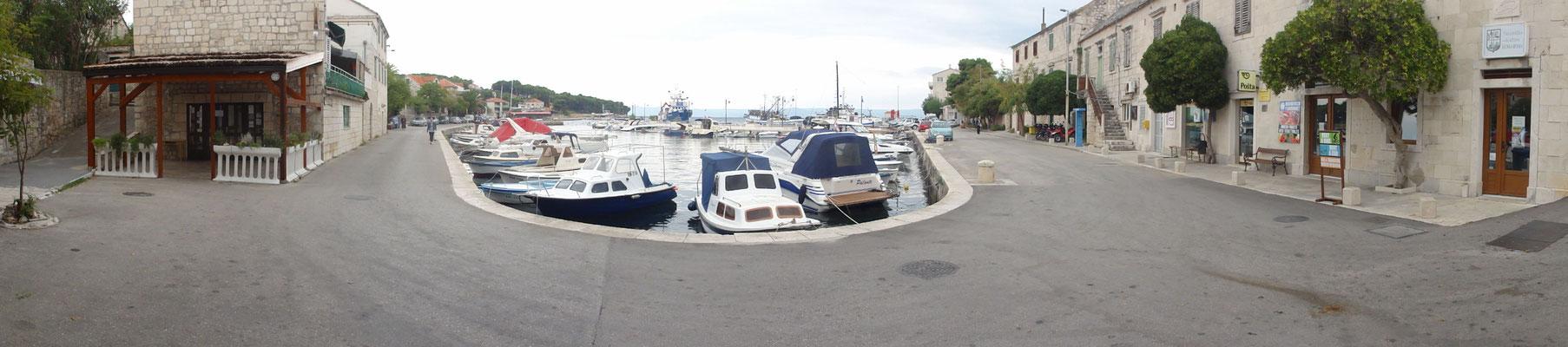 Hafen-Panorama von Sumartin
