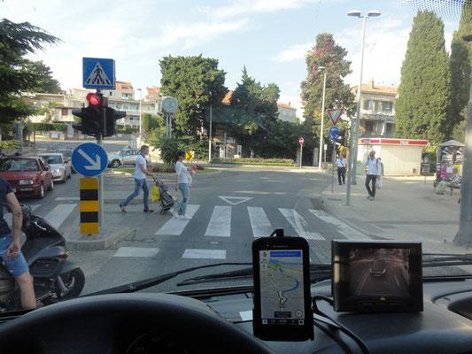 Cool - Kreisverkehr mit Ampel-Einfahrt