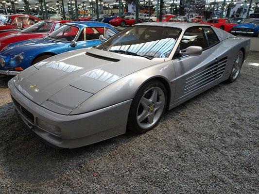 Ferrari Testarossa in einer sehr ungewöhnlichen Farbe