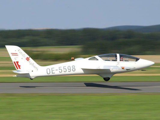 OE-5598 MDM-1 Fox - doppelsitziges Segelkunstflugzeug von meinen Freunden aus Dobersberg, heute leider verkauft.