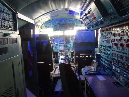 Cockpit der Tupolev 144
