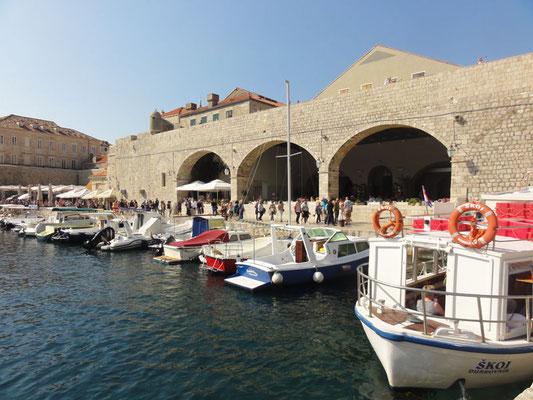 Alter Hafen bei der Altstadt von Dubrovnik