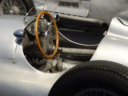 Silberpfeil-Cockpit