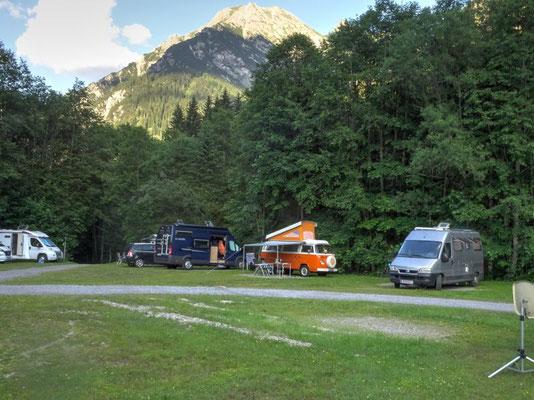 Campingplatz Vorderboden, der alte VW-Bus ist lässig