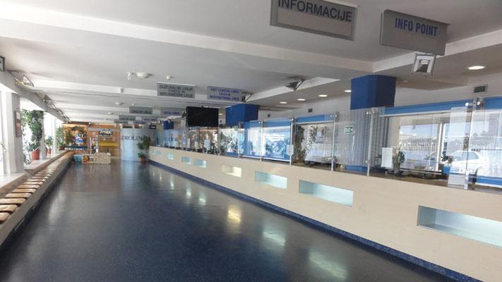 Jadrolinija-Schalterhalle in Split