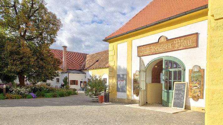 Schloss Hof, Wirtshaus