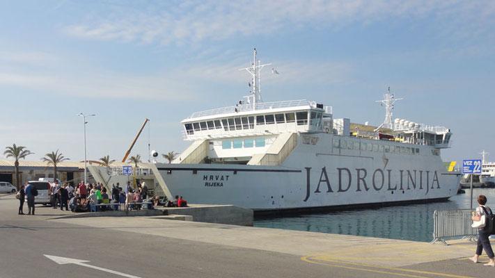 Fähre nach Brač, Schwesterschiff zum gestrigen