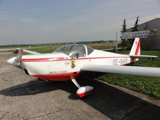 """OE-9465 Scheibe SF-25C Falke - Reise- und Schleppmotorsegler meiner Freunde aus Wels. Mit 100 PS wird der """"Rentner-Jet"""" zur """"Rentner-Rakete""""."""