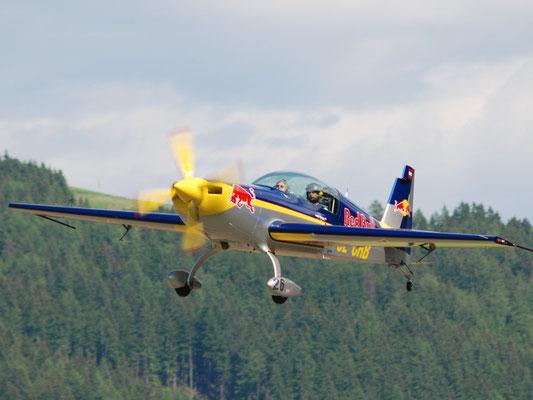 OE-CRB Extra 300L - doppesitziges Motorkunstflugzeug des berühmtesten Getränkeabfüllers der Welt, Power ohne Ende, unglaubliche Rollrate, +/-10g, Fun!!!