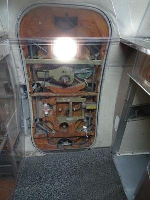 Ziemlich aufwändig, die Tür der Tupolev 144