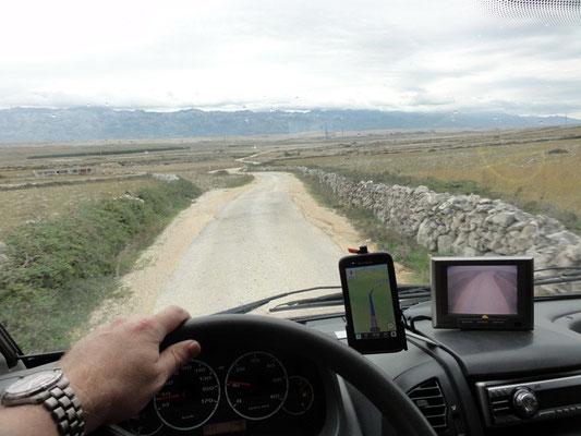 Diese Straße bei Povljana wird noch schlechter